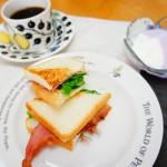 サンドイッチ&ヨーグルト