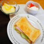 サンドイッチ、ヨーグルト
