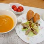 かぼちゃスープ、ソーセージ炒め